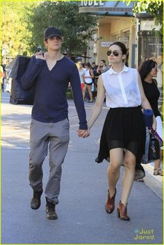 Crystal Reed & Daniel Sharman: Holding Hands at The Grove: Photo Teen Wolf costars Crystal Reed and Daniel Sharman hold hands while out at The Grove on Monday afternoon (August in Los Angeles. Teen Wolf Isaac, Teen Wolf Scott, Teen Wolf Mtv, Teen Wolf Funny, Teen Wolf Boys, Teen Wolf Stiles, Alisson Teen Wolf, Daniel Sharman Teen Wolf, Cristal Reed