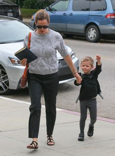 52082176 Busy mom and actress Jennifer Garner is seen at church with her children in Los Angeles, California on June 5, 2016. Her son Samuel was ready for church and had on a backpack of samurai swords. FameFlynet, Inc - Beverly Hills, CA, USA - +1 (310) 505-9876