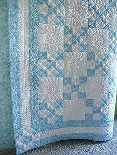 Tourquoise Irish Chain but with plain quilting Two Color Quilts, Blue Quilts, Scrappy Quilts, Easy Quilts, Mini Quilts, White Quilts, Quilt Baby, Baby Quilt Patterns, Baby Girl Quilts