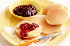 Make these pikelets and freeze half for easy lunchbox fillers or after-school treats. Desserts With Biscuits, School Treats, School Lunches, Pancakes And Waffles, Fruit And Veg, Kids Meals, Breakfast Recipes, Breakfast Ideas, Brunch
