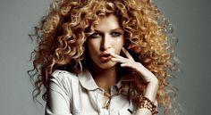 Kıvırcık saçlara sahip olan bayanların saç bakımı konusunda daha bilinçli ve titiz olmaları gerekmek