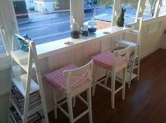 DIY bench Diy Bench, Corner Desk, Home Improvement, Loft, Bed, Furniture, Home Decor, Corner Table, Lofts