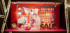 Harvey Nichols, Hong Kong, bathroom model kit, pinned by Ton van der Veer