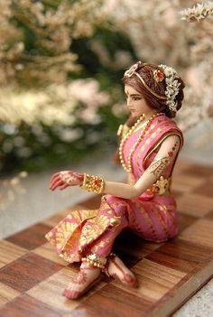 22 ideas for dress diy doll Dollhouse Dolls, Miniature Dolls, Wedding Doll, Indian Dolls, Asian Doll, Doll Maker, Doll Crafts, Diy Dress, Toys For Girls