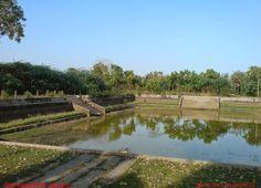 Kurumanakudi |The Indra Theertham tank is located across from the temple.Inscriptions from the time of Raja Raja Chola I refer to this temple as Kuruvaaniyakkudi.