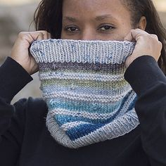 This fun cowl is a great way to use a solid or speckled yarn with a gradient. The popcorns will pop more if you give them a little pinch when blocking.