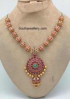 Ruby Necklace latest jewelry designs - Page 5 of 53 - Indian Jewellery Designs Indian Jewellery Design, Latest Jewellery, Jewelry Design, Antique Jewellery, Designer Jewelry, India Jewelry, Gold Jewelry, Beaded Jewelry, Temple Jewellery