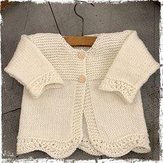 Ravelry: Millie Cardigan pattern by The Kiwi Stitch & Knit Co Free Baby Sweater Knitting Patterns, Crochet Cowl Free Pattern, Beginner Knitting Patterns, Knit Baby Sweaters, Knitted Baby Clothes, Baby Girl Patterns, Pulls, Cardigan Pattern, Knits