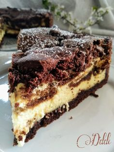 """Tiramisu, a classic of our FANTASTIC pastry .- Tiramisu, a classic of our FANTASTIC Italian pastry, which manages to conclude each meal in a superb way and even wanting to start it, as an """"exceptional breakfast"""" and on … Desserts For A Crowd, Great Desserts, Sweet Recipes, Cake Recipes, Dessert Recipes, Tolle Desserts, Brownie Toppings, Italian Cake, Tiramisu Cake"""