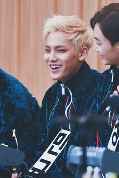 do not edit Crop Photo, Mingyu, Seventeen, My Love, Boys, Movies, Movie Posters, Baby Boys, Film Poster