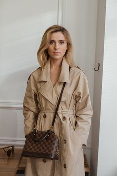 Make Life Easier Classic Style Women, Classic Outfits, Chic Outfits, Trendy Outfits, Fashion Outfits, Minimal Fashion, Work Fashion, Women's Fashion, Raincoats For Women