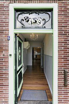 Entree met authentieke elementen in Benningbroek