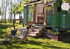 9 bijzondere overnachtingen door heel Nederland. Slapen op deze plekjes middenin de natuur is een buitengewone belevenis. Lees meer>>