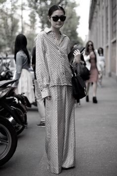 Ideas For Fashion Week Street Style Summer Harpers Bazaar Street Style Chic, Milan Fashion Week Street Style, Milano Fashion Week, Street Style Summer, Paris Fashion, Look Fashion, Trendy Fashion, Spring Fashion, Net Fashion