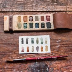 Iris Painter's Palette Painting Station, Watercolor Sketchbook, Leather Projects, Ceramic Artists, Handmade Pottery, Clay Creations, Iris, Arts And Crafts, Palette