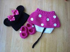 Minnie Mouse hat with pink Bow Diaper Cover and Shoes by lilianda, $60.00