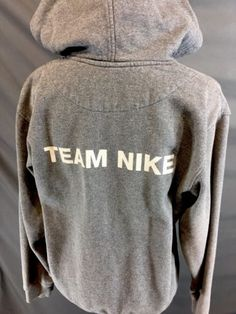 Nike-Employee-Hoodie-Men-039-s-Small-Gray-Sportswear-Sweater-B5