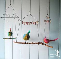Hanging * Shabbiest of Chic * Banner * Bird on a Wire * DIY * Perfect Nursery Decor or Mobile Inspiration Wire Crafts, Felt Crafts, Diy And Crafts, Paper Crafts, Diy For Kids, Crafts For Kids, Bird Mobile, Branch Mobile, Deco Originale