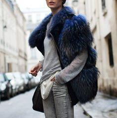 ¿Cómo llevar los abrigos de pelo sintético? #moda #fashion #trends #inspirations #style #streetstyle #ideas #looks http://www.elpaisdesarah.com/2015/02/como-llevar-los-abrigos-de-pelo.html