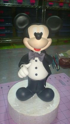 Mickey Mouse Cake. This really looks cute. Please check out my website thanks. www.photopix.co.nz