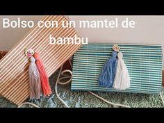 Holaaaaa!!!! Hoy quiero enseñaros como hacer un bolso con unos salvamanteles de cañas de bambu. Lo he realizado con salvamanteles individuales,son practicos,super faciles de hacer y no necesitas casi nada de material para hacerlos. Vereis que el que os enseño yo es con franjas de color azul turquesa y el otro marron,pero hay de muchos mas colores a vuestro gusto. Los podeis decorar con los abalor ... Ethnic Bag, Diy Purse, Diy Bags, Recycled Crafts, Diy Projects To Try, Clutch Bag, Beach Mat, Recycling, Outdoor Blanket