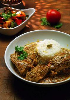 Aromatisch, lecker und mal etwas anderes, als die üblichen indischen oder asiatischen Currys: Kenianisches Huhn in Joghurt-Koriandersoße!