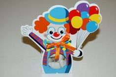 Ballotin de dragées en forme de clown http://www.drageeparadise.fr/contenant-a-dragees-_29_contenant-dragee-bapteme-en-carton_contenant-a-dragees-collection-clown__534_1.html