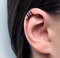 No Piercing Black Three Rings Helix Ear Cuff/triple rings helix piercing imitation/ohrklemme ohrclip/ear jacket manschette/fake piercing ohr – Kia Vickery - Ear Piercings Fake Piercing, Tragus Piercings, Triple Helix Piercing, Tattoo E Piercing, Body Piercings, Triple Cartilage Piercing, Tattoo Rings, Tragus Hoop, Piercing Tattoo