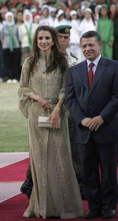 Celebrating King Abdullah's 10 year reign, 2009. Rania is wearing Elie Saab.