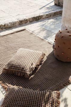 Ferm Living outdoor chair - Stockholm Furniture Fair 2020 - outdoor cushions made of recycled plastic Swedish Design, Danish Design, Scandinavian Design, Outdoor Cushions, Outdoor Rugs, Outdoor Chairs, Outdoor Spaces, Fern Living, Garance Paris