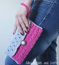 Casual Elagance free Crochet Clutch Pattern designed by AllieCats Hats and Crafts exclusively on Cre8tion Crochet