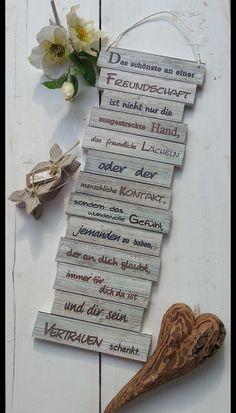 Wanddeko - Dekoschild - Freundschaft - braun-grün - ein Designerstück von Gifts-from-the-heart-by-Sunny bei DaWanda