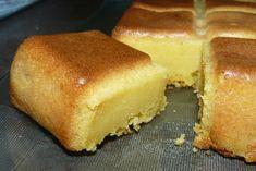 Moelleux au melon Hot Dog Buns, Cornbread, Sugar, Ethnic Recipes, Desserts, Melons, Food, Dreams, Sweets