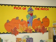 Great Fall Display Idea -- This display is by Bess Gonglewski - she is responsible for the displays and bulletin boards at the Marriott Library at the Holton-Arms School in Bethesda, Maryland (USA). Apple Bulletin Boards, Reading Bulletin Boards, Bulletin Board Display, Fun Fall Activities, Classroom Activities, Classroom Ideas, Future Classroom, Birthday Bulletin, Birthday Board