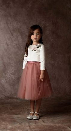 50 Ideas for fashion kids dress future children Little Girl Dresses, Girls Dresses, Kids Frocks, Little Girl Fashion, Dress Patterns, Baby Dress, Cute Dresses, Doll Clothes, Girl Outfits