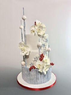 Winter cake by tomima Christmas Wedding Cakes, Big Wedding Cakes, Holiday Cakes, Christmas Desserts, Wedding Cake Toppers, Xmas Cakes, Christmas Ideas, Gorgeous Cakes, Pretty Cakes