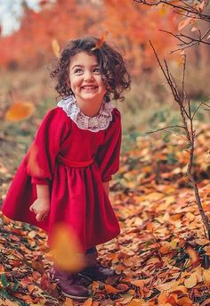 44 ideas baby cute girl wallpaper for 2019 Cute Little Baby Girl, Beautiful Little Girls, Beautiful Children, Cute Girls, Cute Baby Girl Wallpaper, Cute Babies Photography, Cute Baby Girl Pictures, Lion Pictures, Baby Images