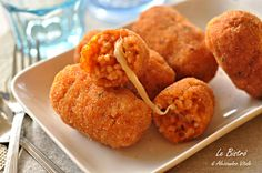 Supplì di riso Rice Supplì are a finger food typically popular in Italy. Brunch, Arancini, Antipasto, Finger Foods, Italian Recipes, Kids Meals, Love Food, Food And Drink, Appetizers