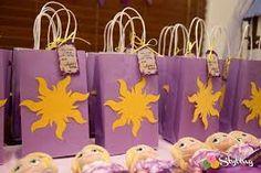 Monica M's Birthday / Rapunzel / Tangled - Photo Gallery at Catch My Party Rapunzel Torte, Rapunzel Birthday Cake, Tangled Birthday Party, Girl 2nd Birthday, 5th Birthday Party Ideas, Birthday Party Decorations, Rapunzel Cake Ideas, Tangled Party Decorations, Rapunzel Disney