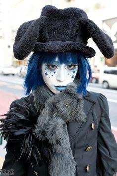 Gothic blue shironuri.