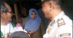 Belum Diberi Nama, Bayi 'Titisan' Ular Belang Sudah Kebanjiran Tamu | Wow Kece Badai !