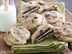 15 Oreo Dessert Recipes: Check out the oreo stuffed chocolate chip cookies!