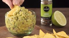 Receitinha de Guacamole da Chef Ana Spengler - SapatomicaReceitinha de Guacamole da Chef Ana Spengler - Sapatomica