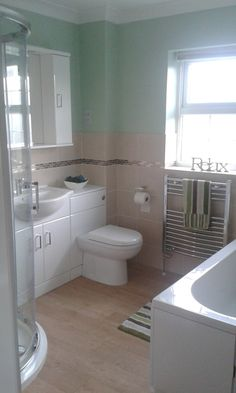 #VPShareYourStyle Glenda from Gillingham uses light colours in her bathroom to create a beautiful bright room.