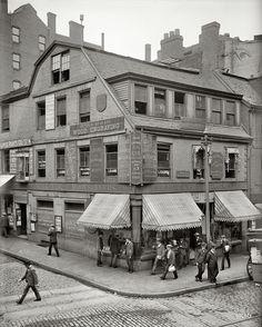 """Boston, Massachusetts, circa 1900. """"Old Corner Bookstore, first brick building in Boston."""""""