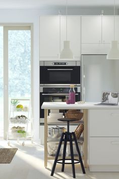 Whether you're after a complete guide to organizing your kitchen storage or just a clever way to use leftovers, click to find a collection of IKEA tips, tricks and insider knowledge on everything kitchen related!