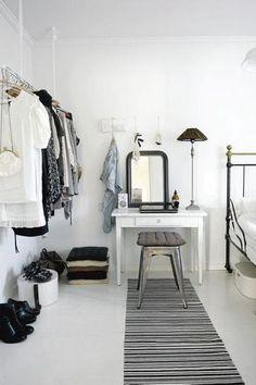 40 Chic Ways to Organize Your Closet