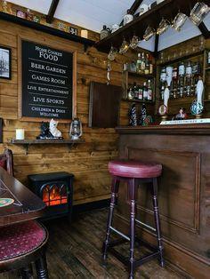 Diy Home Bar, Home Pub, Bars For Home, Bar Interior, Man Shed Interior Ideas, Interior Garden, Tournée Des Bars, Backyard Cafe, Outdoor Cafe