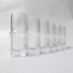 Vintage Iittala Finland Niva shot glasses, designed by Tapio Wirkkala in CocoCollectables on Etsy Retro Design, Icon Design, Minnen, Schnapps, Shot Glasses, Vintage Pottery, Kitchen Stuff, Finland, 1970s