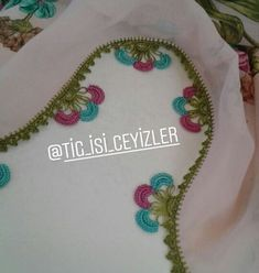 En Sevilen Tığ İşi Oya Modelleri Dress Neck Designs, Crochet, Pom Poms, Cambridge, Punch Needle, Accessories, Diy Tassel, Knit Crochet, Crocheting